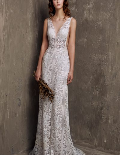 chic-nostalgia-wedding-dress-Vneck-lace-lowback