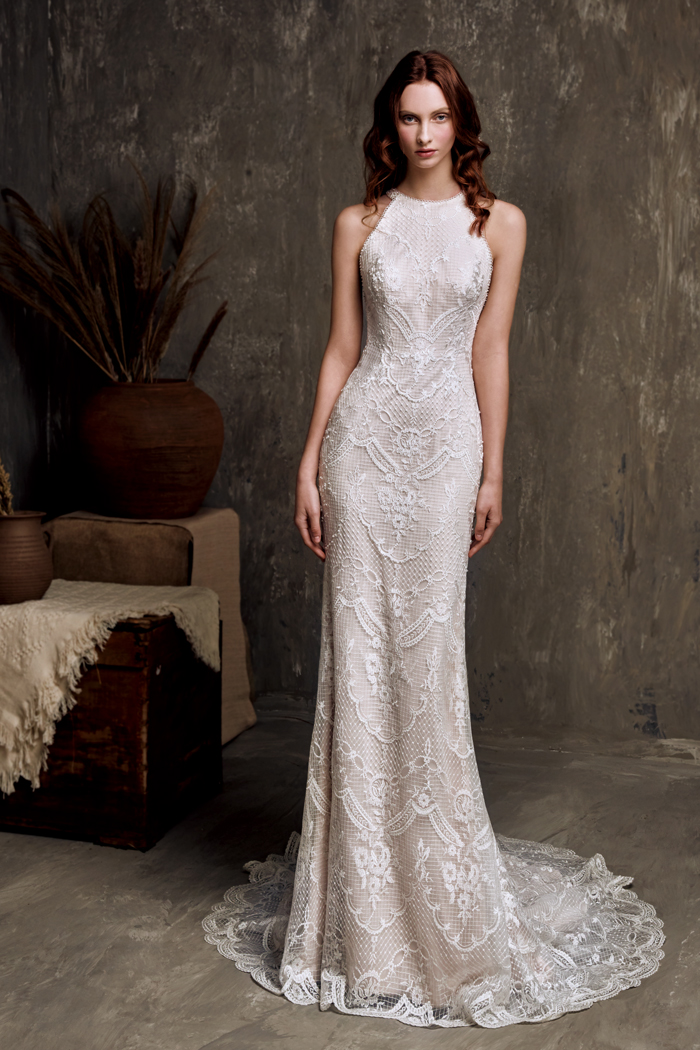 chic-nostalgia-wedding-dress-high-neckline-lace-slim-fitting