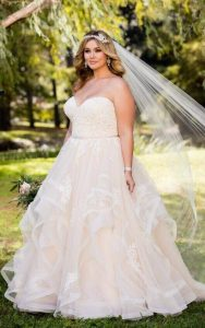 large-size-wedding-dress-with-textured-skirt