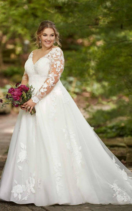 plus-size-wedding-dress-sweetheart-sparkle-v-neck