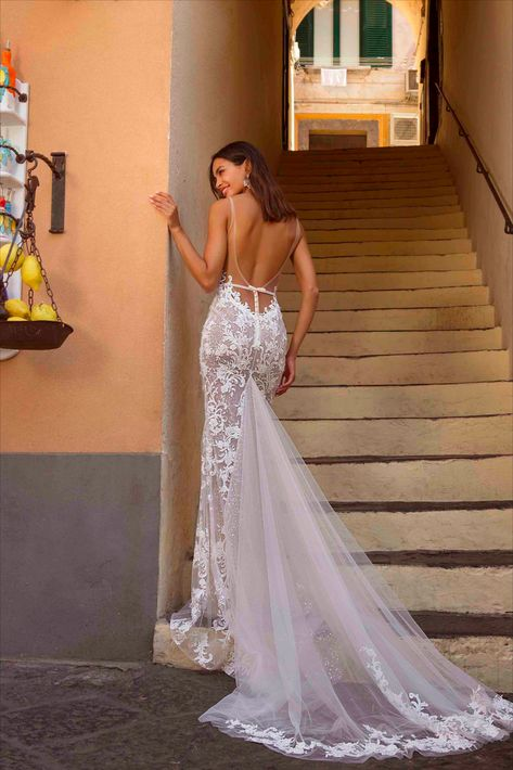 Berta Privée 20-P107-Fitted backless wedding dress with v neckline