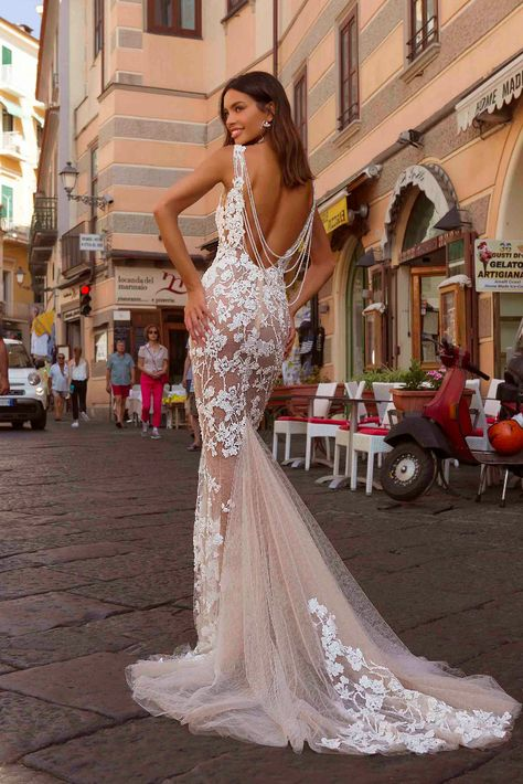 Berta Privée 20-P110- Backless v neck fitted wedding dress